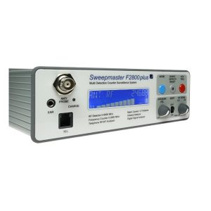 Détection de 1 à 8000 MHz, signaux d'alerte visuels et sonores. Détection signaux numérique (téléphones portables, traceurs GPS...). Détection de signaux infra-rouge, courant porteur. Compteur de fréquence pour affichage des fréquences détectées entre 1 et 2600MHz